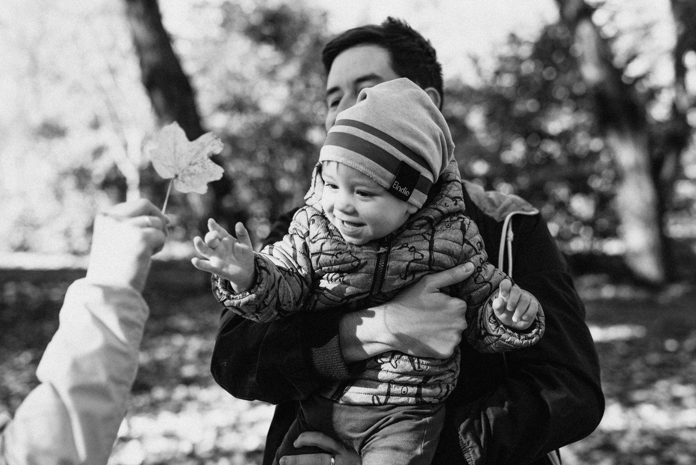 Lucy Grossmann - Jesenné rodinné fotky plné farebných listov